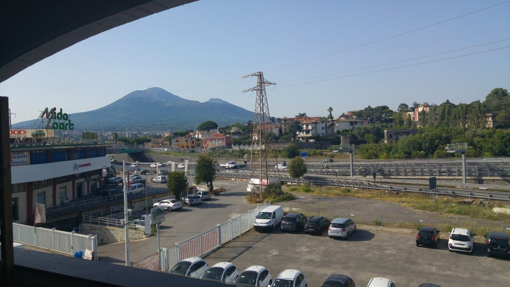 This image has an empty alt attribute; its file name is traveling-in-the-italy7-1024x576.jpg